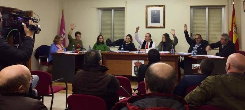 Valderrey fue ayer por la tarde el último ayuntamiento en apoyar la moción por la autonomía. DL