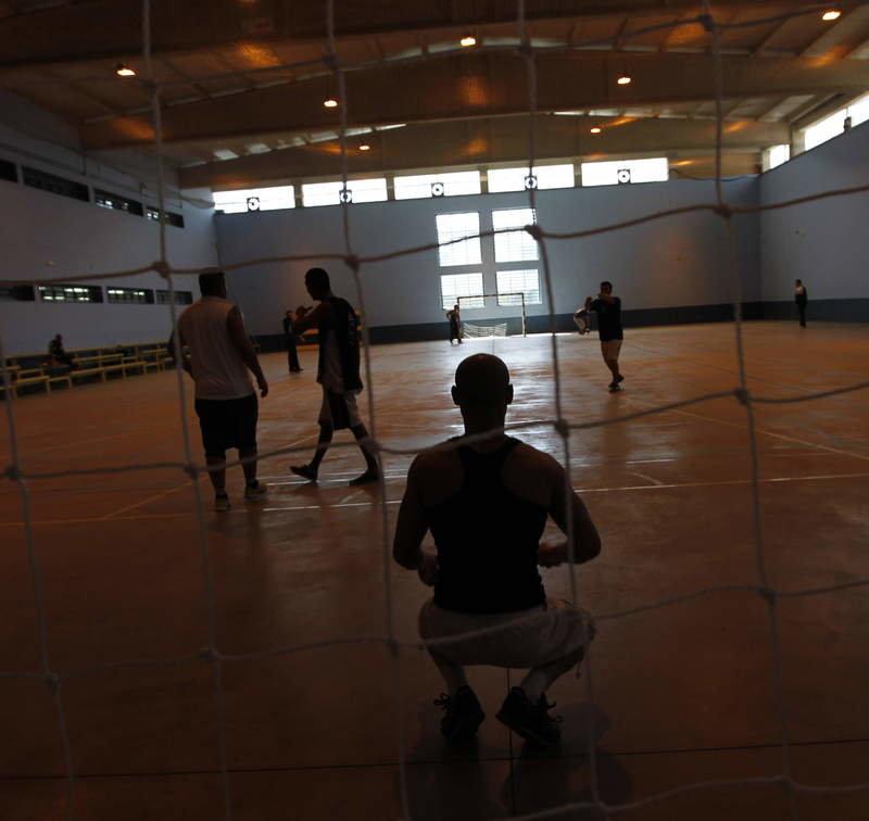 Reclusos de Villahierro disfrutan de actividades de tiempo libre. JESÚS F. SALVADORES